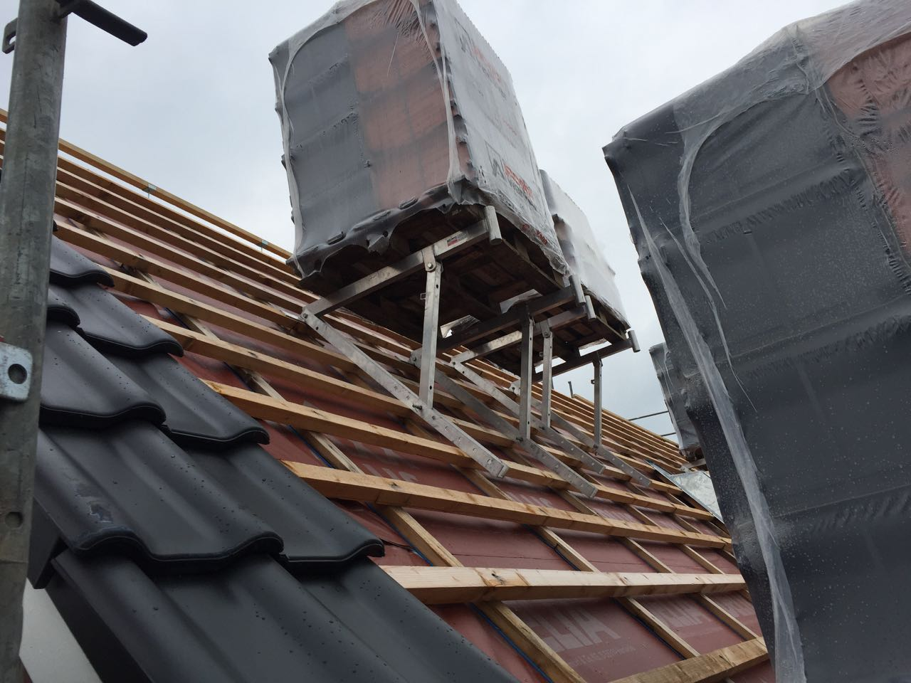 Beginn Dacheindeckung – 2