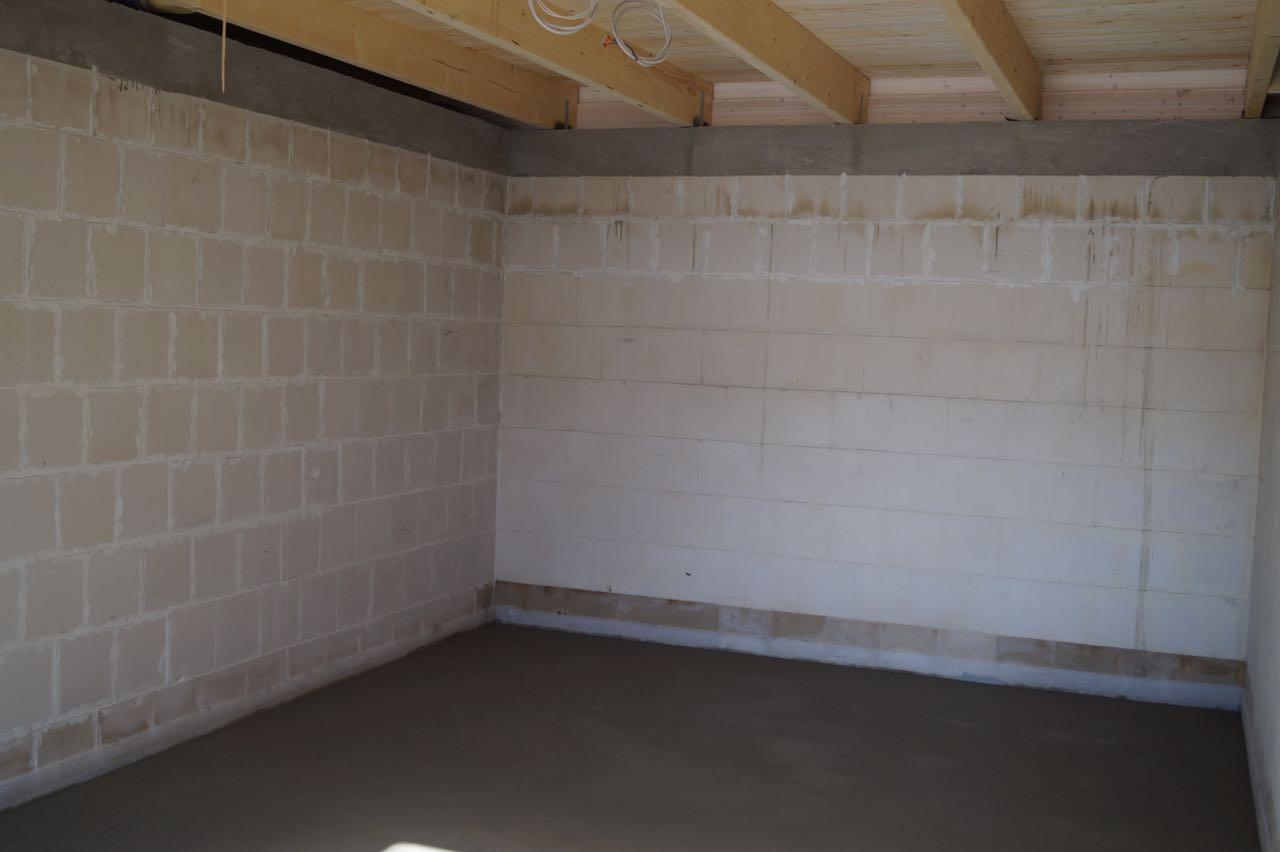 Garage – 24