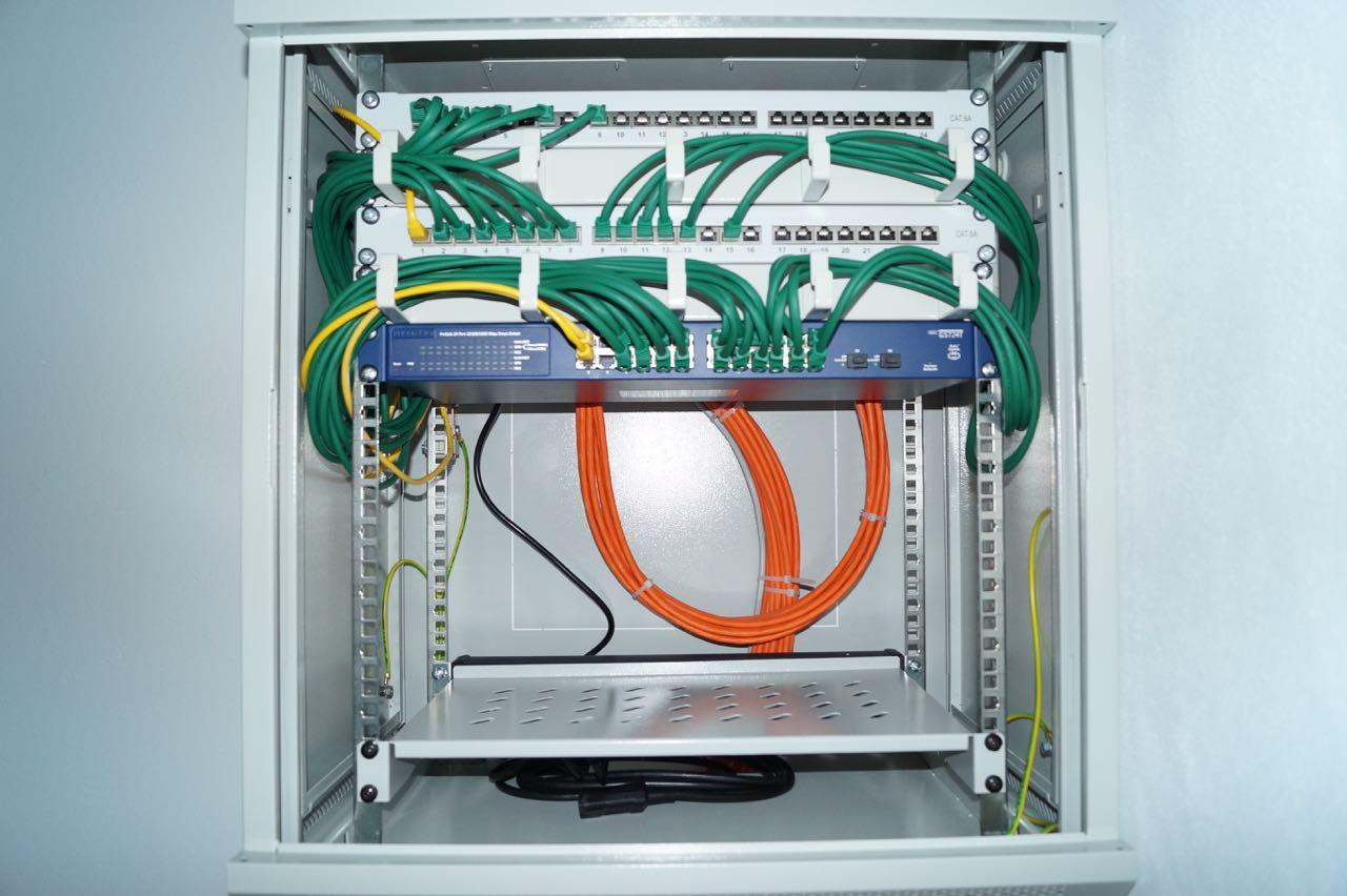 Netzwerkschrank verkabeln – 4